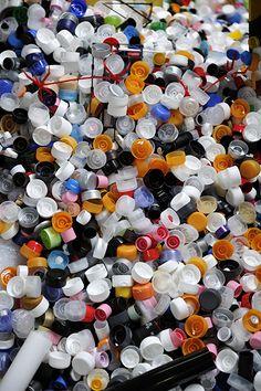 #Capsules de #cosmétiques en attente de #recyclage. #recycling  http://www.paprec.com/fr/comprendre-recyclage/recyclage-plastique/tri-plastiques