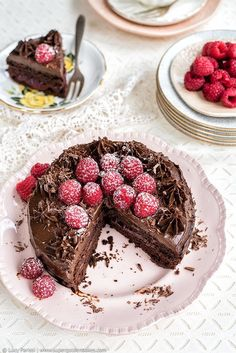 Super-fudgy Vegan Chocolate Cake with Avocado Frosting