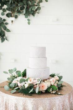 wedding cake idea; featured photographer: Emilie Anne