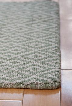Barcelona green natural eco-cotton-loom-hooked-rug-roomA