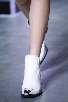 Louis Vuitton Spring 2016 Ready-to-Wear Accessories Photos - Vogue