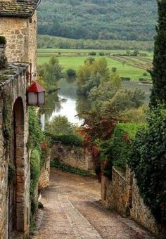 Tuscany, Italy... Pretty view of the ancient village of San Gimignano.