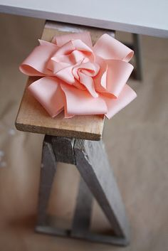 ribbon rose how-to from Prydelig blog (instructions are in another language though)