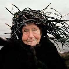 "The beauty of the crone  https://karolinehjorth.wordpress.com/2014/11/17/blikk-vandreutstilling-med-buskerud-kunstsenter-og-pilotgalleriet/   From ""Eyes as Big as Plates"" by Ikonen and Hjorth"