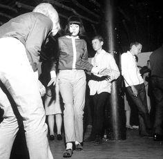 VARIOUS - 1964. Mod club.www.groovesvilleusa.com/blog