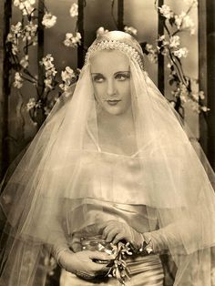 Carole Lombard was no stranger to bridal wear, having modeled such gowns as far back as her first leading film role in Antique Wedding Dresses, 1930s Wedding, Vintage Wedding Photos, Vintage Bridal, Vintage Glamour, Vintage Beauty, Wedding Bride, Vintage Weddings, Wedding Gowns
