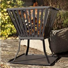 La Hacienda have some fab fire baskets, and this one is a winner beacause the cost is so low, but what a great little looker. Fire Pit Bbq, Cool Fire Pits, Fire Pit Backyard, Gas Fire Pit Insert, Welded Metal Projects, Gas Patio Heater, Fire Pit Cooking, Fire Basket, Outdoor Chairs