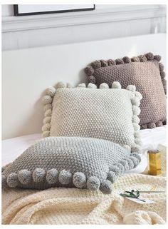 Crochet Pillow Pattern, Crochet Fabric, Knit Pillow, Knitted Cushions, Knitted Blankets, Diy Pillows, Throw Pillows, Trendy Home Decor, Manta Crochet