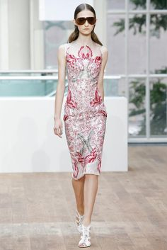 Julien Macdonald Spring 2015 Ready-to-Wear - Collection - Gallery - Look 1 - Style.com