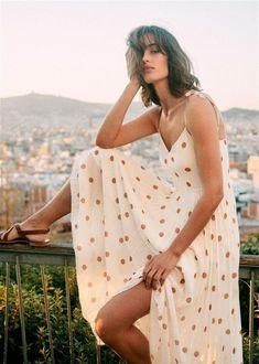 Parisian summer style Parisian Summer, Parisian Chic Style, Chic Summer Style, Spring Style, French Summer, French Girl Style, French Girls, French Chic, French Riviera Style