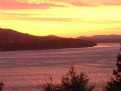 Nydelig solnedgang i går kveld - fint å kose seg på terrassen og la tankene fly... :) / Beautiful sunset yesterday evening - me having a quiet moment on the terrace - feel so good <3 23.5.2014/IJ