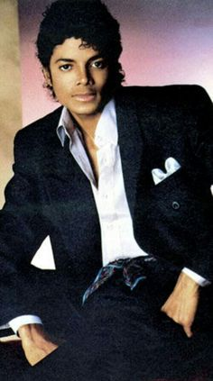 M.J Michael Jackson Images, Jazz Artists, Jackson 5, King Of Hearts, Thriller, Fashion Models, Blues, Funny Quotes, Mj