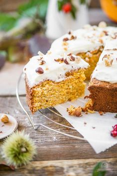Kürbis-Nuss Kuchen mit Topping Juicy pumpkin nut cake with topping, perfect for the fall. Fall Soup Recipes, Rice Recipes For Dinner, Pumpkin Recipes, Rice Krispie Treats, Rice Krispies, Sweet Potato Recipes Healthy, 3 Ingredient Desserts, Milk Dessert, Easy Baking Recipes