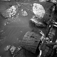 NASA's Mars rover Curiosity acquired this image using its Left Navigation Camera (Navcams) on Sol 2086 Mars Planet, Red Planet, Walpapers Hd, Space Shuttle Challenger, Nasa Space Program, Curiosity Rover, Math Formulas, Major Tom, Space Race