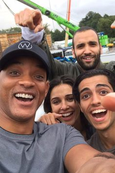 Gonna be keeping you posted on everything Aladdin peeps ;) A post shared by Mena Massoud Arte Aladdin, Aladdin Cast, Aladdin Film, Naomi Scott, Live Action, It Movie Cast, It Cast, Aladdin Quotes, Will Smith
