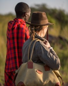 Its great to see the Chapman Classic Holdall out on Safari! Travel Bags, Safari, Canvas, Amazing, Classic, Leather, Men, Fashion, Travel Handbags