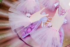 Idéias de decoração de festas, lembrancinhas, buquês de noiva, bolos cenográficos e tradicionais, centros de mesa, vestidos de noiva e muito mais