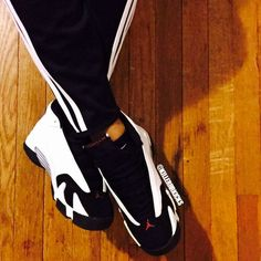 Air Jordan Black Toe 14s