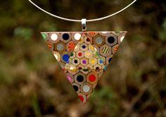 Collana triangolo dalle matite colorate di carbickova su Etsy
