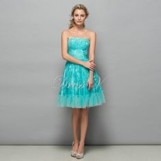 Fashion Strapless Short Homecoming Dresses Lace 2016 Hunter Blue Knee Length Graduation Dress A-Line Cocktail Party Gown - CEOsShop Lace Homecoming Dresses, Strapless Dress Formal, Formal Dresses, Short Cocktail Dress, Party Gowns, Dress Collection, Lace Shorts, Appliques, Fashion Outfits