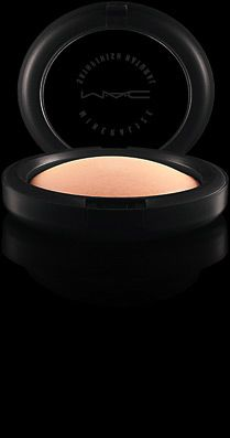 Mineralize Skinfinish Natural | M·A·C  A luxurious domed face powder with minerals, slowly baked to provide a dimensional yet natural-matte finish. Provides perfect low coverage. Use to set and fix foundation or as a touch-up throughout the day.
