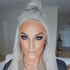 42 Best Gorgeous And Sexy Silver Hairstyle 😊 You Must Try In Prom 💕 - Silver Hair Design 05 👄💕𝕴𝖋 𝖀 𝕷𝖎𝖐𝖊, 𝕱𝖔𝖑𝖑𝖔𝖜 𝖀𝖘! 💕 💋 💋 💋 💋 Everythings about Sexy Silver Hairstyles for you Silver White Hair, Silver Blonde Hair, Bleach Blonde Hair, Platinum Blonde Hair, Silver Platinum Hair, Baby Blonde Hair, Beauté Blonde, Blonde Color, Pelo Color Gris