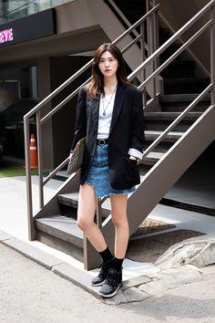 JACKET   #HUGOBOSS TSHIRT   #UNIQLO SHOES   #NIKE Kim Soomin, Street Fashion 2017 in Seoul