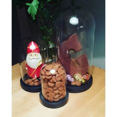 Maak je huis Sint proof met chocolade, pepernoten en HEMA-stolp. Bedankt voor je foto Esther.