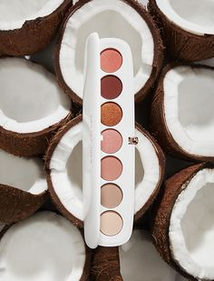 Eye-Conic Multi-Finish Eyeshadow Palette – Coconut Fantasy Collection - Marc Jacobs Beauty | Sephora