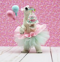 Animal Themed Birthday Party, Bear Birthday, Birthday Party Themes, Happy Birthday, Party Animals, Animal Party, Plastic Animal Crafts, Plastic Animals, Safari Party