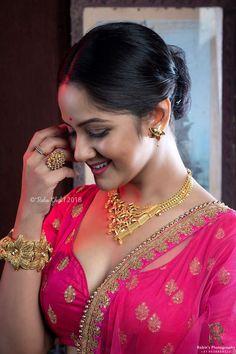Beautiful Girl Indian, Beautiful Girl Image, Beautiful Saree, Beautiful Indian Actress, Beautiful Actresses, Gorgeous Women, Indian Navel, Indian Beauty Saree, India Beauty