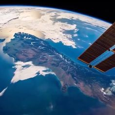 Ever wanted to see Planet Earth from 248 miles away? Now you can, thanks to these epic views of our planet from the International Space Station in the thermosphere. Watch the crescent Earth rotate … Cosmos, Space Planets, Space And Astronomy, Nasa Space, Earth View, Earth From Space, Galaxy Wallpaper, Space Station, Deep Space