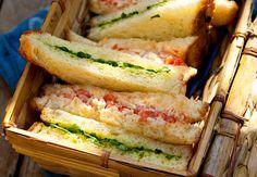 Sandwich au crabe et au cressonVoir la recette du Sandwich au crabe et au…