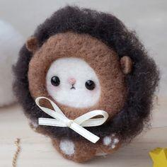 Handmade needle felted felting cute animal project lion chicken brooth | Feltify