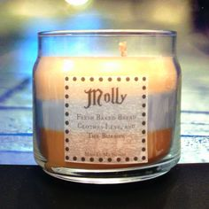 Molly Scented 4 oz Candle: Fresh Bread, Clothes Line,