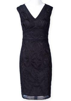Black Sleeveless V Neck Embroidery Lace Dress