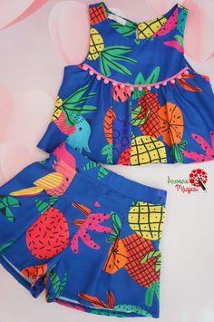 Conjunto Infantil Abacaxi Azul Mon Sucré Baby Girl Dress Design, Girls Frock Design, Cotton Frocks For Kids, Frocks For Girls, Baby Frocks Designs, Kids Frocks Design, African Dresses For Kids, Little Girl Dresses, Kids Blouse Designs