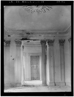 Interior of the parlor of Belle Grove Plantation
