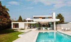 Minimalista y sostenible  http://www.arquitexs.com/2014/11/la-casa-del-rio-por-selencky-parsons.html