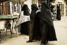 Pearls of Islam taking a walk