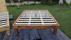 pallets wood bed frame