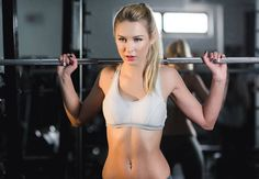 10 ways to boost calorie burn at the gym - IMAGE -  Women's Health and Fitness magazine