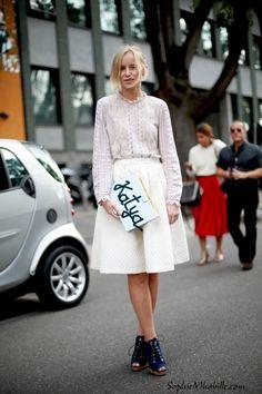katya #white #blanc #skirt #jupe #fashion #chic #women #style #look #outfit #streetchic #streetfashion #streetstyle #street #clutch #women #mode #milan #moda by #sophiemhabille