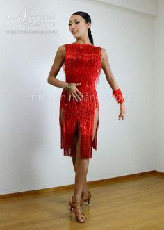 社交ダンスウェアNiniDance:D130竹ビーズフリンジで迫力満点の赤いラテンドレス