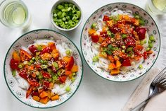 Paprika & bataat met rijstnoedels en pittige saus   Marley Spoon