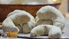 Poppy Seed Snow Horns recipe with video. Detailed steps on how to prepare this easy and simple Poppy Seed Snow Horns recipe! Chocolate Dome, Melting Chocolate, Bueno Cake, Make Your Own Cookbook, Apples And Cheese, Most Popular Recipes, Food Categories, Creative Food, Food Dishes