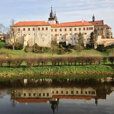 Třebíč Castle 🏰and St. Jihlava River in foreground. Warm and sunny spring morning ☀️🏃♀️ ________ Morning Running, Czech Republic, Reflection, Castle, River, Warm, Mansions, History, House Styles