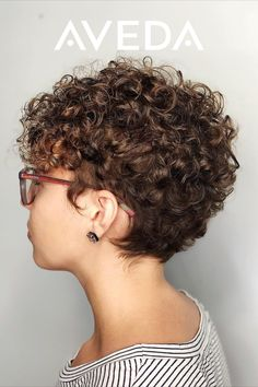 Short Curly Hairstyles For Women, Haircuts For Curly Hair, Curly Hair Cuts, Curly Hair Styles, Short Natural Curls, Short Curls, Short Hair With Perm, Short Layered Curly Hair, Short Curly Cuts