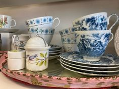Tea Sets Vintage, Christmas Gifts, Blue And White, Gift Ideas, Mugs, Gallery, Tableware, Beautiful, Design