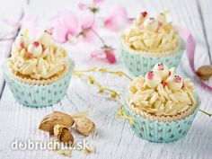 Mandlové cupcakes s kuřátky recept - Vareni. Open Kitchen, Biscuits, Pudding, Cooking, Desserts, Hairstyle Ideas, Food Ideas, Nests, Chocolate Fondue